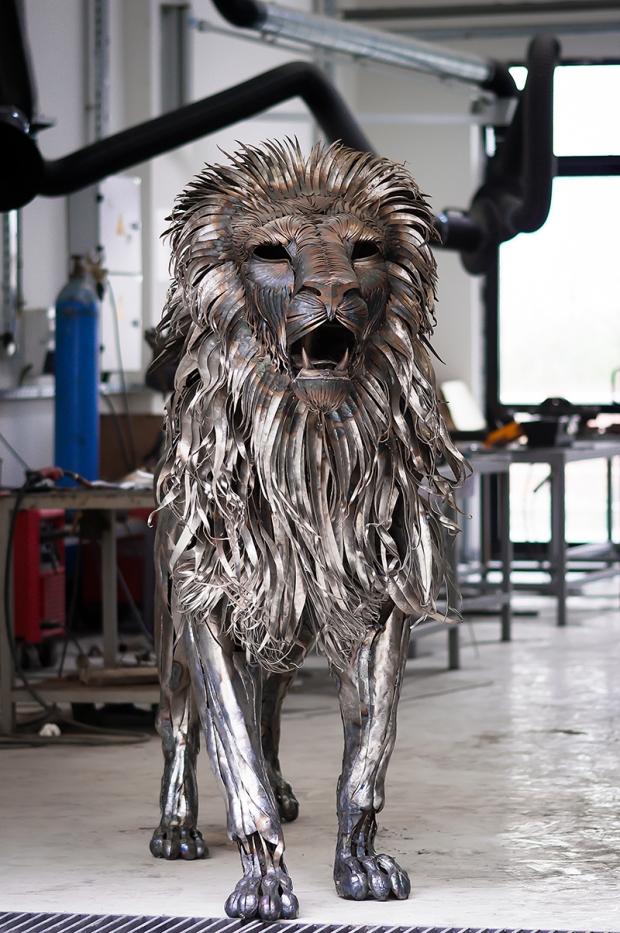 selçuk-yılmaz-aslan-heykeli-2