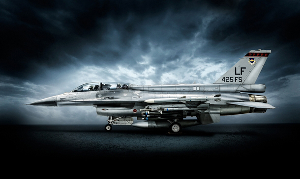 F-16 fighter jet photographed by Blair Bunting