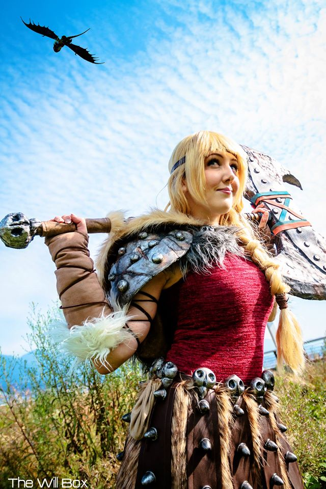 Tarah-Rex Cosplay as Astrid from How to Train Your Dragon 2_Photo by The Will Box