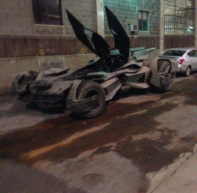 Batman v Superman_Dawn of Justice_Batmobile on Set