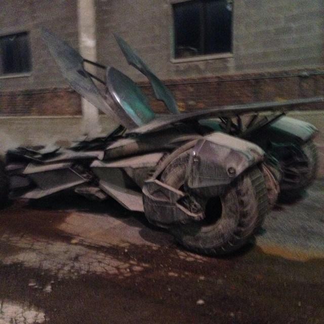 Batman v Superman_Dawn of Justice_Batmobile on Set2