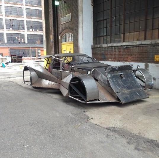 Batman v Superman_Dawn of Justice_Batmobile on Set4