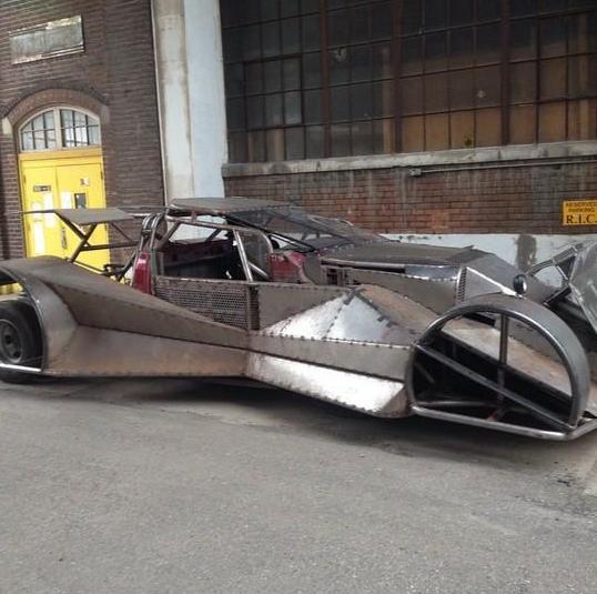Batman v Superman_Dawn of Justice_Batmobile on Set5
