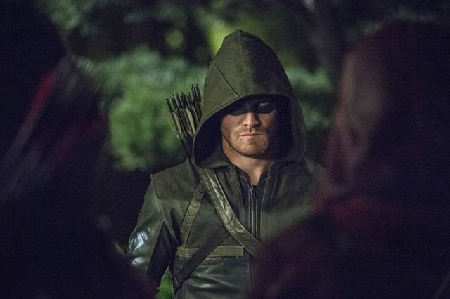 "Arrow -- ""The Magician"" Pictured: Stephen Amell as The Arrow -- Photo: Cate Cameron/The CW -- © 2014 The CW Network, LLC. All RightsReserved."