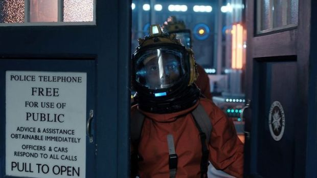 Doctor Who_Series 8_Episode 7_Looking Back on Kill the Moon (7)