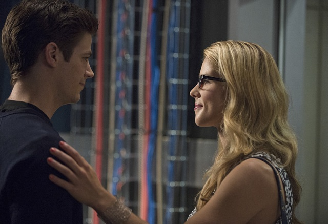 "The Flash -- ""Going Rogue"" Pictured (L-R): Grant Gustin as Barry Allen and Emily Bett Rickards as Felicity Smoak -- Photo: Cate Cameron/The CW -- © 2014 The CW Network, LLC. All rights reserved."