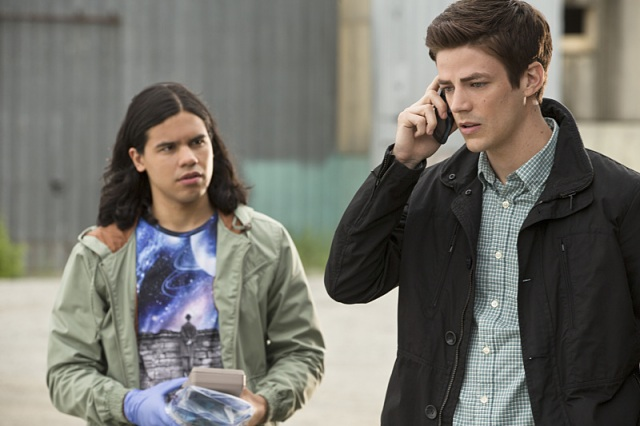 """The Flash -- """"Plastique"""" Pictured (L-R): Carlos Valdes as Cisco Ramon and Grant Gustin as Barry Allen -- Photo: Jack Rowand/The CW -- © 2014 The CW Network, LLC. All rights reserved."""