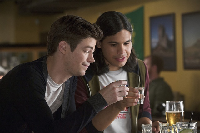 """The Flash -- """"Plastique"""" Pictured (L-R): Grant Gustin as Barry Allen and Carlos Valdes as Cisco Ramon -- Photo: Jack Rowand/The CW -- © 2014 The CW Network, LLC. All rights reserved."""