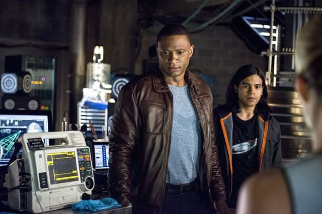"Arrow -- ""The Brave and the Bold"" Pictured (L-R): David Ramsey as John Diggle and Carlos Valdes as Cisco Ramon -- Photo: Cate Cameron/The CW -- © 2014 The CW Network, LLC. All Rights Reserved."