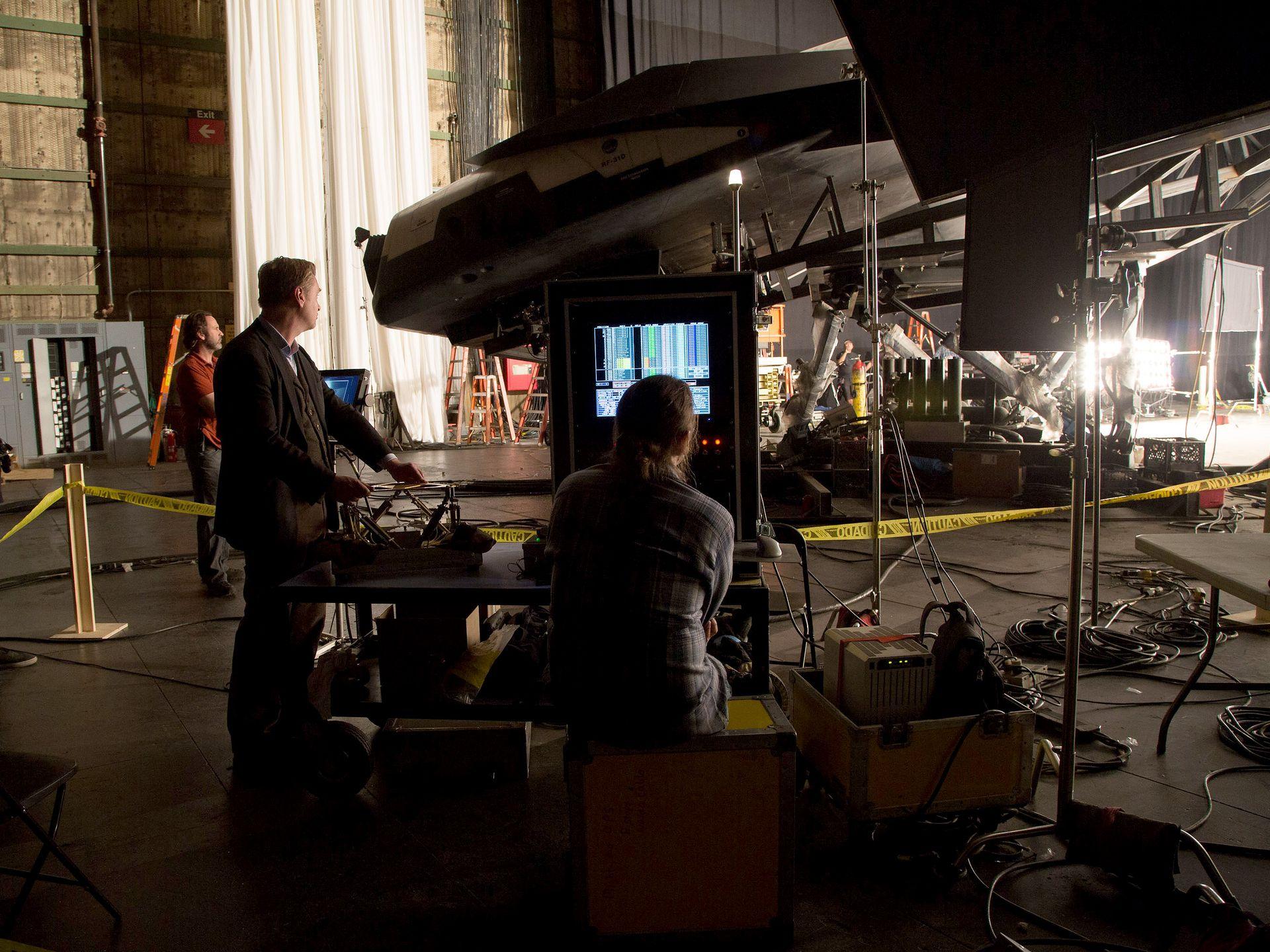 5 New Stills From Christopher Nolan S Interstellar We
