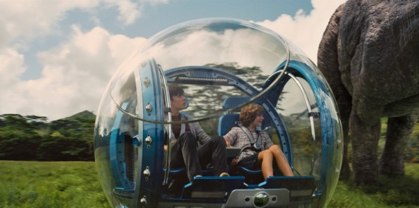 Jurassic World_Nick Robinson and Ty Simpkins