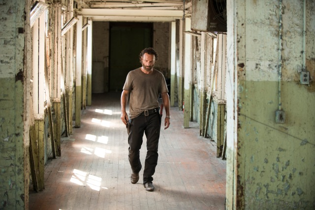 Andrew Lincoln - The Walking Dead _ Season 5, Episode 8 _ BTS - Photo Credit: Gene Page/AMC