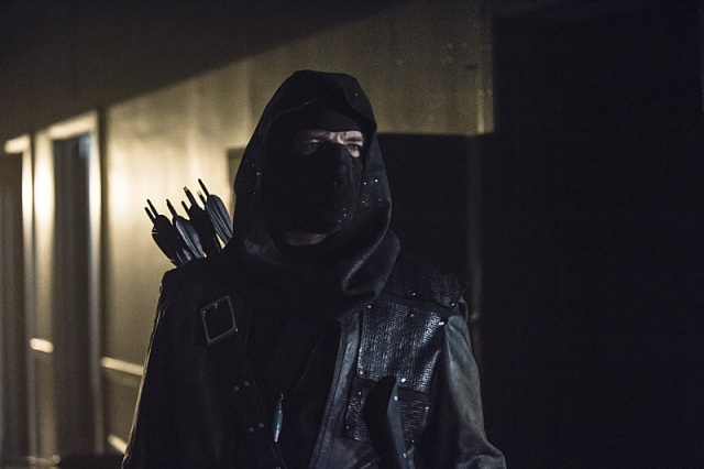 """Arrow -- """"Uprising"""" -- Image AR312A_0389b -- Pictured: John Barrowman as Malcolm Merlyn -- Photo: Cate Cameron/The CW -- © 2015 The CW Network, LLC. All Rights Reserved."""