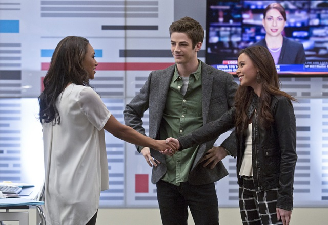 """The Flash -- """"Crazy for You"""" -- Image FLA112A_0045b -- Pictured (L-R): Candice Patton as Iris West, Grant Gustin as Barry Allen and Malese Jow as Linda Park -- Photo: Katie Yu/The CW -- © 2015 The CW Network, LLC. All rights reserved."""