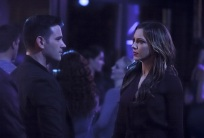 """Arrow -- """"The Return"""" -- Image AR314A_0179b -- Pictured (L-R): Colin Donnell as Tommy Merlyn and Katie Cassidy as Laurel Lance -- Photo: Michael Courtney/The CW -- © 2015 The CW Network, LLC. All Rights Reserved."""