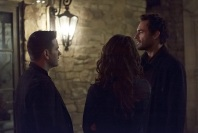 """Arrow -- """"The Return"""" -- Image AR314A_0363b -- Pictured (L-R): Colin Donnell as Tommy Merlyn and Paul Blackthorne as Quentin Lance -- Photo: Michael Courtney/The CW -- © 2015 The CW Network, LLC. All Rights Reserved."""