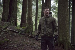 """Arrow -- """"The Return"""" -- Image AR314B_0010b -- Pictured: Stephen Amell as Oliver Queen -- Photo: Cate Cameron/The CW -- © 2015 The CW Network, LLC. All Rights Reserved."""