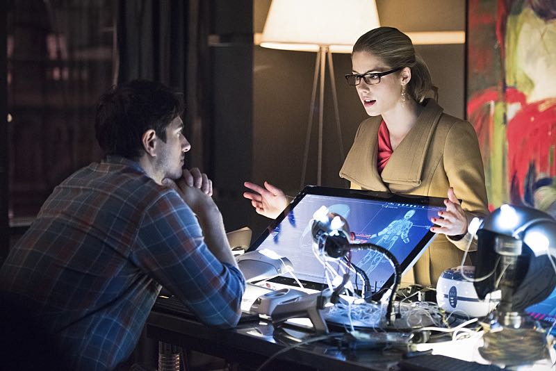"""Arrow -- """"Nanda Parbat"""" -- Pictured (L-R): Brandon Routh as Ray Palmer and Emily Bett Rickards as Felicity Smoak -- Photo: Dean Buscher/The CW -- © 2015 The CW Network, LLC. All Rights Reserved."""