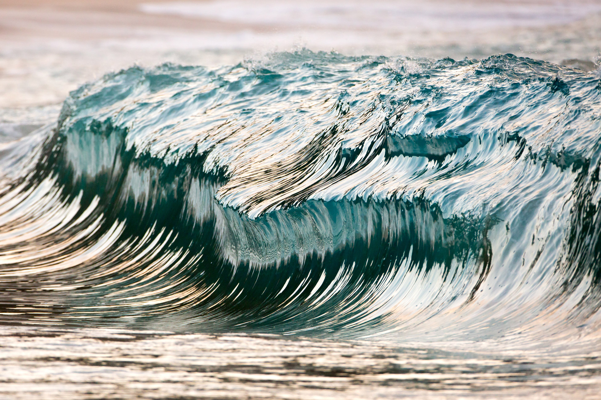 breathtaking photos of waves frozen in time by pierre With carreau pierre