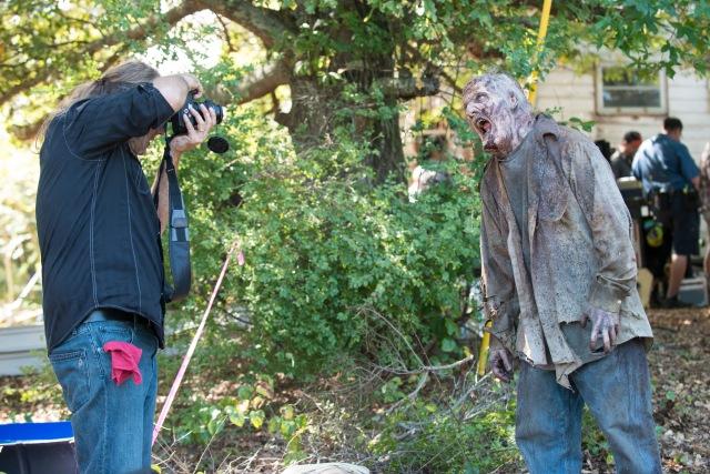 Greg Nicotero and Walker - The Walking Dead _ Season 5, Episode 12 _ BTS - Photo Credit: Gene Page/AMC