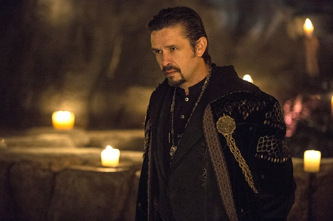 """Arrow -- """"The Fallen"""" -- Image AR320B_0146 -- Pictured: Matt Nable as Ra's al Ghul -- Photo: CateCameron/The CW -- © 2015 The CW Network, LLC. All Rights Reserved."""