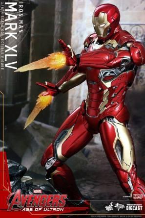 Avengers_Age of Ultron_Hot Toys_Iron Man Mark XLV (10)