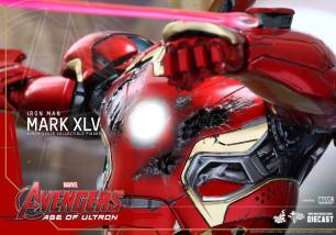 Avengers_Age of Ultron_Hot Toys_Iron Man Mark XLV (11)