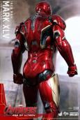 Avengers_Age of Ultron_Hot Toys_Iron Man Mark XLV (2)