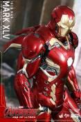 Avengers_Age of Ultron_Hot Toys_Iron Man Mark XLV (6)