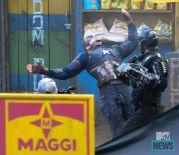 Captain America_Civil War_Cap vs Crossbones_Set Photo (6)