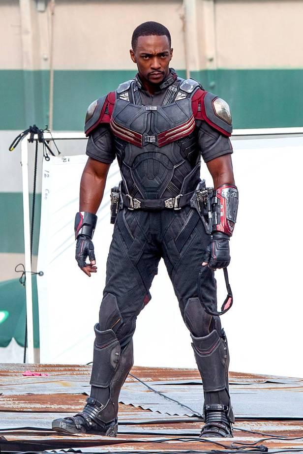 Captain America_Civil War_First Look_Falcon (1)