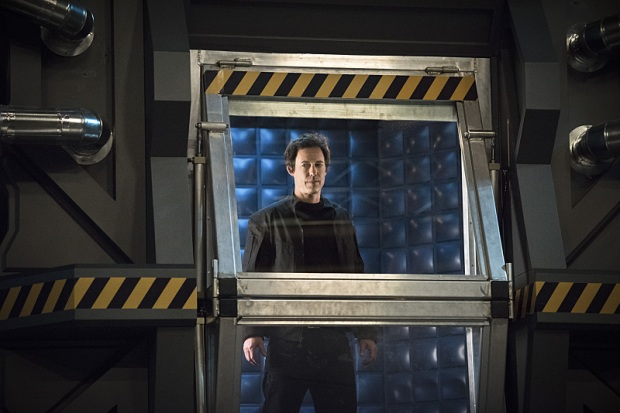 """The Flash -- """"Fast Enough"""" -- Image FLA123C_0346b -- Pictured: Tom Cavanagh as Harrison Wells -- Photo: Dean Buscher/The CW -- © 2015 The CW Network, LLC. All rights reserved."""