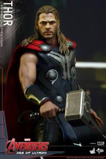 Hot Toys_Thor Collectible Figure (5)