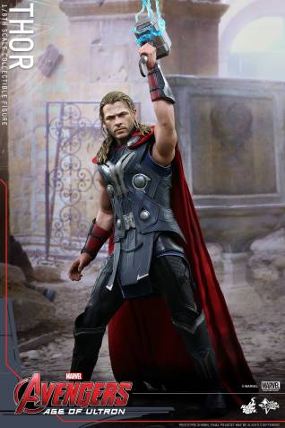 Hot Toys_Thor Collectible Figure