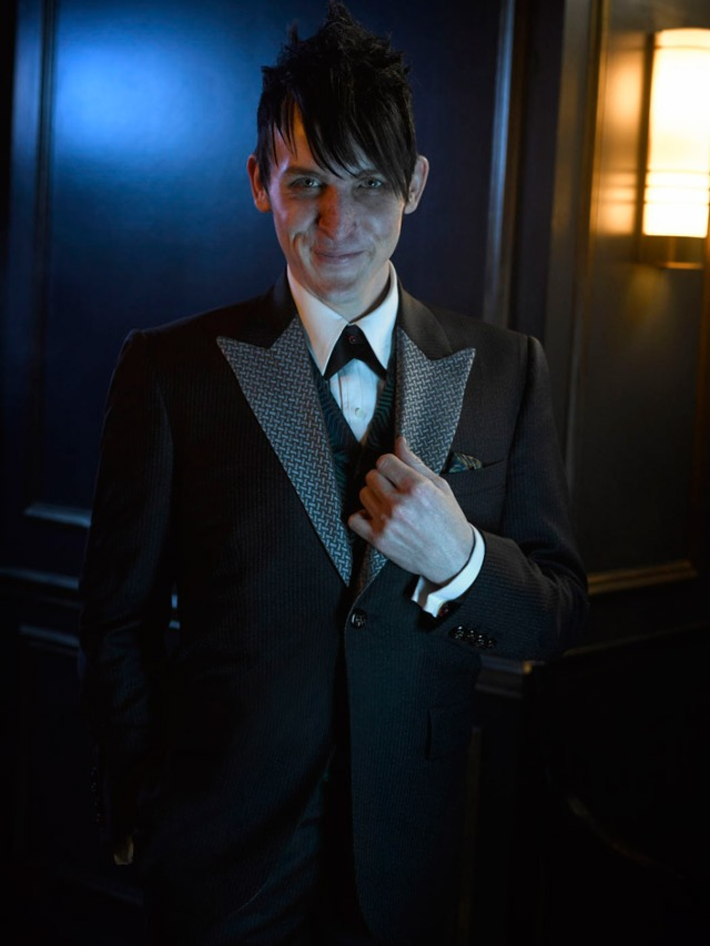 Gotham_Season 2_Cast Photo (5)