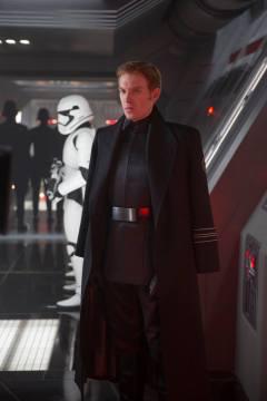 Star Wars_The Force Awakens_High Res Stills (2)