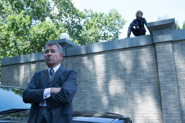 GOTHAM: (L-R) Alfred (Sean Pertwee) and Selina (Camren Bicondova) in the ÒRise of the Villains: Strike ForceÓ episode of GOTHAM airing Monday, Oct. 12 (8:00-9:00 PM ET/PT) on FOX. ©2015 Fox Broadcasting Co. Cr: FOX.