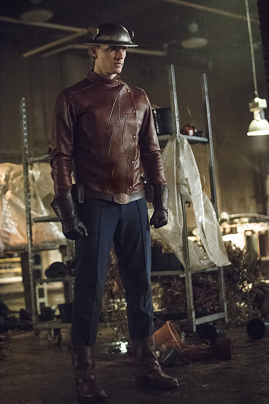 "The Flash -- ""Flash of Two Worlds"" -- Image FLA202A_0322b -- Pictured: Teddy Sears as Jay Garrick -- Photo: Cate Cameron/The CW -- © 2015 The CW Network, LLC. All rights reserved."