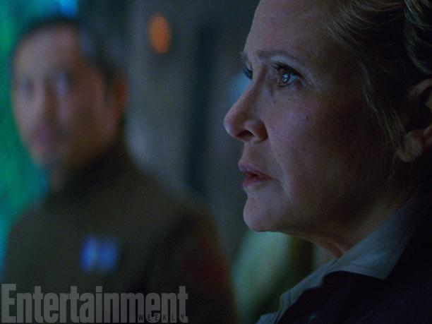 Star Wars_The Force Awakens_EW_Still (12)