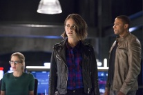 """The Flash -- """"Legends of Today"""" -- Image FLA208A_0306b.jpg -- Pictured (L-R): Emily Bett Rickards as Felicity Smoak, Willa Holland as Thea Queen and David Ramsey as John Diggle -- Photo: Diyah Pera/The CW -- © 2015 The CW Network, LLC. All rights reserved."""