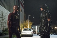 """The Flash -- """"Legends of Today"""" -- Image FLA208B_0297b.jpg -- Pictured (L-R): Grant Gustin as The Flash and Stephen Amell as The Arrow -- Photo: Cate Cameron/The CW -- © 2015 The CW Network, LLC. All rights reserved."""
