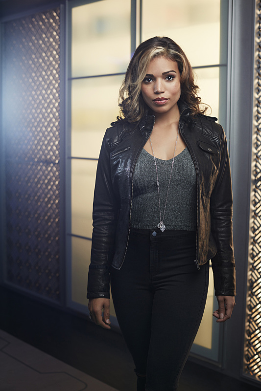 DC's Legends Of Tomorrow -- Image Number: LGN01_CiaraB_2212.jpg -- Pictured: Ciara Renee as Kendra Saunders/Hawkgirl -- Photo: Brendan Meadows/The CW -- © 2015 The CW Network, LLC. All rights reserved.