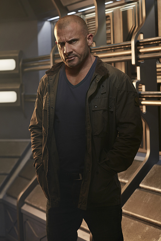 DC's Legends Of Tomorrow -- Image Number: LGN01_DominicB_1196.jpg -- Pictured: Dominic Purcell as Mick Rory/Heat Wave -- Photo: Brendan Meadows/The CW -- © 2015 The CW Network, LLC. All rights reserved.