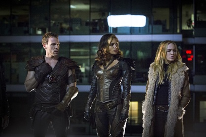 "DC's Legends of Tomorrow -- ""Pilot, Part 1"" -- Image LGN101d_0154b -- Pictured (L-R): Falk Hentschel as Carter Hall/Hawkman, Ciara Renee as Kendra Saunders/Hawkgirl and Caity Lotz as Sara Lance -- Photo: Jeff Weddell/The CW -- © 2015 The CW Network, LLC. All Rights Reserved."