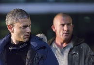 """DC's Legends of Tomorrow -- """"Pilot, Part 1"""" -- Image LGN101d_0158b -- Pictured (L-R): Wentworth Miller as Leonard Snart/Captain Cold and Dominic Purcell as Mick Rory/Heat Wave -- Photo: Jeff Weddell/The CW -- © 2015 The CW Network, LLC. All Rights Reserved."""