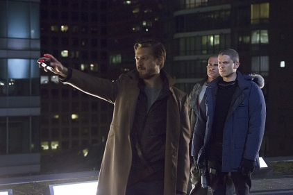 "DC's Legends of Tomorrow -- ""Pilot, Part 1"" -- Image LGN101d_0316b -- Pictured (L-R): Arthur Darvill as Rip Hunter, Dominic Purcell as Mick Rory/Heat Wave and Wentworth Miller as Leonard Snart/Captain Cold -- Photo: Jeff Weddell/The CW -- © 2015 The CW Network, LLC. All Rights Reserved."