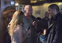 "DC's Legends of Tomorrow -- ""Pilot, Part 1""-- Image LGN101c_0055b -- Pictured (L-R) Caity Lotz as Sara Lance/White Canary, Dominic Purcell as Mick Rory/Heat Wave and Wentworth Miller as Leonard Snart/Captain Cold -- Photo: Jeff Weddell/The CW -- © 2015 The CW Network, LLC. All Rights Reserved."