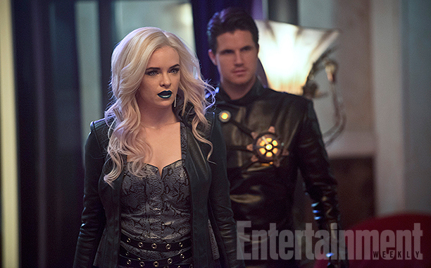 The Flash_Season 2_First Look at Death Storm and Caitlin Snow