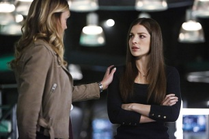"Arrow -- ""Taken"" -- Image AR415b_0180b.jpg -- Pictured (L-R): Katie Cassidy as Laurel Lance/Black Canary and Anna Hopkins as Samantha -- Photo: Bettina Strauss/ The CW -- © 2016 The CW Network, LLC. All Rights Reserved."