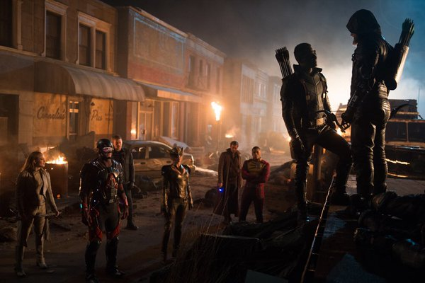 Legends Of Tomorrow_First Look_Star City 2046_3